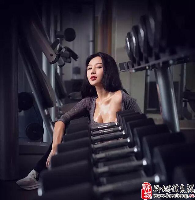 中国乳神樊玲再曝健身房激情私照 网友:根本hold不住【高清组图】